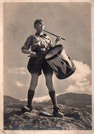 CPSM,Auf Einem Berggipfel Steht Ein Junge In Der Uniform Des Jungvolkes Und Schl, Jeunesse Hitlérienne Jeune Tambour - War 1939-45