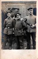 Carte Photo Originale Guerre 1914-18 3 Gaillards Soldats De L'Armée Allemande Au Jardin En 1916 - Oorlog, Militair