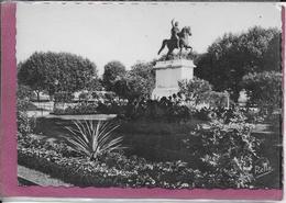 34.- MONTPELLIER .- Le  Peyrou Statue Equestre De Louis XIV - Montpellier