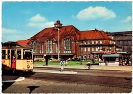 Bremerhaven Hauptbahnhof Mit Strassenbahn - Bremerhaven