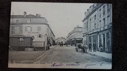 CPA SAINTE MENEHOULD MARNE RUE CHANZY ATTELAGE ROULOTTE CIRQUE OU BOHEMIEN ED C LC 1904 - Sainte-Menehould