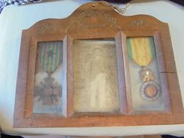 1914/18 Petit Tableau Avec Medailles Et Citation 120 Ral Artillerie Poilu - 1914-18