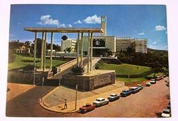 AK  UGANDA    PARLIAMENT  BUILDING KAMPALA - Uganda