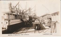 Australie - Shipping At Fremantle ( Valentine Publishing ) - Fremantle