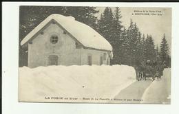 39 - Jura - La Forge En Hiver - Route De La Faucille à Mijoux Et Aux Rousses - Traineau Attelé  - Animée - - Autres Communes