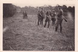 PHOTO ORIGINALE 39 / 45 WW2 WEHRMACHT FRANCE ORLEANS ENTRAÎNEMENT AU TIR POUR LES SOLDATS ALLEMANDS - Guerra, Militari