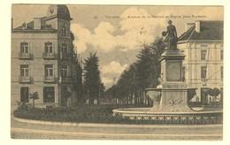 A0447[Postkaart] Vilvorde - Avenue De La Station Et Statue Jean Portaels (phot. H. Bertels) [Vilvoorde Standbeeld Jan]. - Vilvoorde