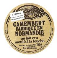 ETIQUETTE De FROMAGE..CAMEMBERT Fabriqué En NORMANDIE (50-AM)...Fromagerie Du VAL De SIENNE ( Manche) GAVRAY - Fromage