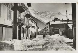 CHAMONIX-MONT-BLANC En Hiver Rue Joseph Vallot Et Le Mont-Blanc  Années 40/50 - Other Municipalities