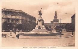 Italia Lombardia Milan Milano - Largo Cairoli E Monimento A G. Garibaldi    - Cartolina  Barry 2720 - Milano (Milan)