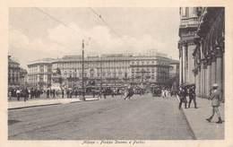 Italia Lombardia Milan Milano - Tram  Piazza Duomo E Portici    - Cartolina  Barry 2738 - Milano (Milan)