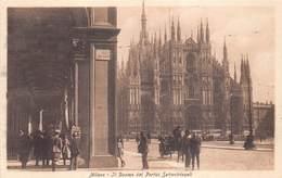 Italia Lombardia Milan Milano -  Il Duomo Dai Portici Settentrionali    - Cartolina  Barry 2758 - Milano (Milan)