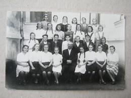Serbia / Velika Kikinda- Students, Pupils, 1945/46. ( Photopostcard ) - Servië