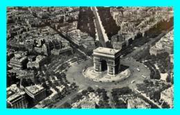 A793 / 081 75 - PARIS En Avion Sur Paris Place Et Arc De Triomphe - France
