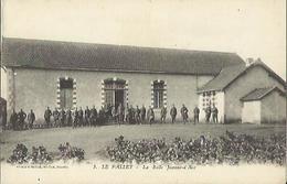 7289 CPA Le Pallet - La Salle Jeanne D'Arc - Non Circulée Excellent état - France