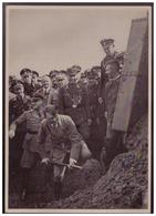 DT- Reich (008213) Propaganda Sammelbild Deutschland Erwacht Bild 164, Der Erste Spatenstich Zum Beginn Des Baues - Deutschland