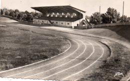 La Roche Sur Yon : Le Vélodrome (cpsm) - La Roche Sur Yon