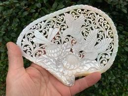 """Magnifique Coquille D'huitre Perlière Sculptée - NACRE - """"Carved Mother Of Pearl"""" - Asiatische Kunst"""