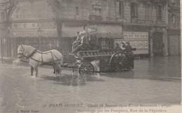 *** 75 *** La Crue De La Seine 1910 Sauvetage Par Les Pompiers Rue De La Pépinière Neuve Excellent état PARIS - La Crecida Del Sena De 1910
