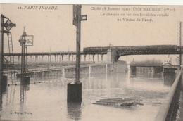 *** 75 ***  PARIS INONDE Le Chemin De Fer Des Invalides Envahi Au Viaduc De Passy  Janvier 1910 Neuve Excellent état - La Crecida Del Sena De 1910