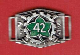 42e REGIMENT D ARTILLERIE DIVISIONNAIRE DE LA FERE AISNE VERS 1940 ELEMENT DE BRACELET D IDENTITE - Hueste