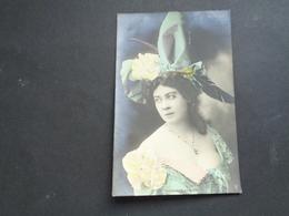 Artiste ( 543 )   Yvonne De Kerlord - Opera