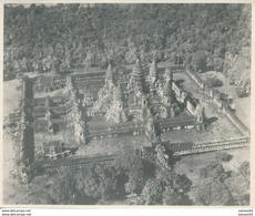 Photo : Vue Aérienne Sur Les Temples D'Angkor Au Cambodge  (Ca 1950)  - 19 Cm X 15,5 Cm - Lieux