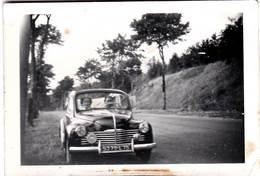 Petite Photo : Automobile 4 Cv Renault  Immatriculation 75  1953 - Auto's