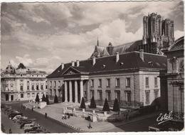 Reims: PEUGEOT 203, RENAULT JUVA FOURGONNETTE , CITROËN 2CV, AZU, TRACTION AVANT, VW 1200 - Palais De Justice - PKW
