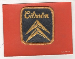 ECUSSON EN TISSU AUTOMOBILES CITROËN - CONTRE-COLLE SUR CARTON - BRITISH MADE - Blazoenen (textiel)