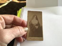 Photo Noir Et Blanc Femme Religieuse Sur Carton Brighton BRIGHTON Femme D'église - Anonymous Persons