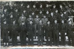 Militaria - Mai 1951 - Groupe De Sous Officiers Du 16 Genie Avec Un Calque Donnant Leur Nom à Localiser - Uniformes
