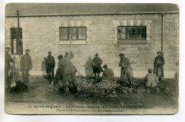 56 COETQUIDAN Guerre 1914-1915 Prisonniers Allemands Corvée D'empierrement Devant Les Baraquements     /D08-2017 - Guer Coetquidan