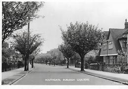ANGLETERRE---LONDON--SOUTHGATE---1950--burleigh Gardens--voir 2 Scans - London