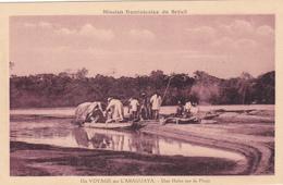 CPA BRESIL - Un Voyage Sur L'Araguaya - Une Halte Sur La Plage - Pirogue - Brazilië