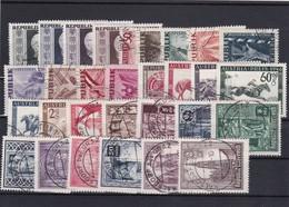 Österreich, Kpl. Jahrgang 1946, Gest. (T 12834) - Ganze Jahrgänge