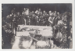 #14432 Sad Family Pose To Open Coffin Casket Post Mortem Vintage 1930s Orig Photo - Anonymous Persons