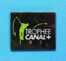 1 PIN'S  //   ** GOLF / TROPHÉE CANAL+ ** - Golf