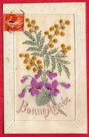 Carte Brodée - Bonne Année - Bouquet De Violettes Et Mimosas - Borduurwerk