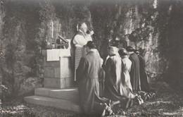 Marche-les-Dames , Lot De 2  Photocarte ,cérémonie Religieuse Au Pied Du Rocher Ou Est Mort Le Roi Albert (Lemaire Photo - Namur