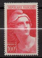 1945-49--tp  N° 733  --Marianne De Gandon 100F Carmin--NEUF -- Cote  15,5 € ..........à Saisir - France