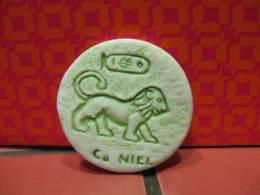 Fève Midgard Couleur Verte Le Niel Série Zodiaque Egyptien Année 1998 - Fèves - Rare - Oude