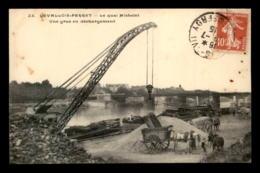 92 - LEVALLOIS-PERRET - QUAI MICHELET - GRUE EN DECHARGEMENT - Levallois Perret