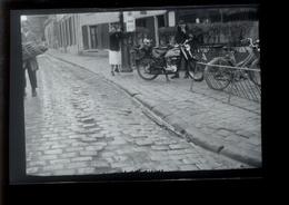 Negatif Photo Ancienne - Moto Mobylette - Automobiles