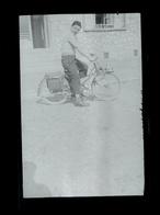 Negatif Photo Ancienne - Mobylette - Cyclisme