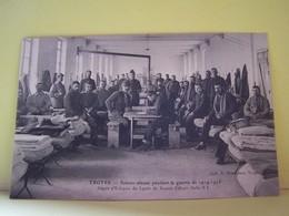 TROYES (AUBE) MILITARIA. LA SANTE. SCENES VECUES PENDANT LA GUERRE 1914-1915.  DEPOT D'ECLOPES DU LYCEE DE JEUNES FILLES - Troyes