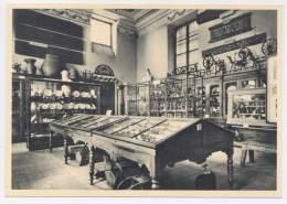 CPSM 38 - Grenoble - Musée Dauphinois - Vitrines De Céramiques - Faïences De Grenoble Et De La Tronche - Grenoble