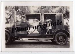Photo Originale - Autos Voitures Automobiles Cars - Tacot Oldtimer à Identifier - Enfants - Automobiles