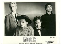PHOTO PRESSE 18X24 / MODELS - GROUPE ROCK AUSTRALIE 1983 - Célébrités
