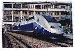 PHOTO Originale Train Wagon Engin De Traction Loc Locomotive TGV Duplex SNCF 202 Non Datée - Treinen